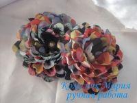Красивые и нарядные украшения как для маленьких леди, так и взрослых принцесс. Красивые цветы канзаши, смотрятся празднично и могут подойти к любому наряду. Каждый заказ обсуждается индивидуально и выполняется в максимально короткие сроки. Цветок сделан из ткани и декорирован бусиной, основа под цветочки по индивидуальному желанию – можно сделать под обруч, заколку-автомат, резинку и т.д. Размер цветка 10см. Оплата на карту, предоплата 100%. Отправка Новой Почтой, ИнТайм, Укрпочтой. Доставку оплачивает покупатель, кроме Укрпочты.