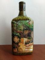 Декоративная бутылка ручной работы в технике декупаж и объемного декора. Декупаж сделан декупажной картой. Кирпичики сделаны из яичной скорлупы. Может использоваться по назначению