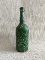 Декоративная бутылка ручной работы в технике роспси объемным контуром. Бутылка может использоваться по назначению или как декор