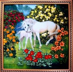 Картина вышита лентами, очень подходит для интерьера любого дома, а может стать подарком к праздникам или юбилеям.