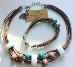 Колье и браслет из вощеной нити и керамики. Приглашаем на нашу страничку, где Вы сможете увидеть полную коллекцию украшений  Https://m.vk.com/id327011753 или https://instagram.com/tandemjewelry_