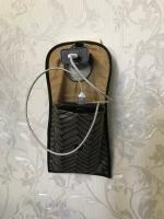Удобный карман-органайзер для телефона который на зарядке.Закрываеться на липучку.Отправлю.