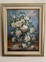 """Картина вышивка ручная работа «Букет белых роз"""", размер 44х53 ( в раме), размер вышивки 32х41,5. Золоте руно, авторская работа Н.Сафоновой. Канва Zweigart (Германия) № 18, мулине Мадейра, вышито крестом в 1 нить. Стекло антибликовое"""