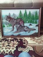 картина бисером волки. работа оформлена в раме с стеклом и подвеской. дополнит ваш интерьер дома и на работе.