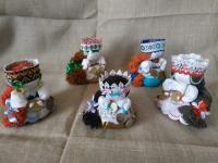 """Кукла - оберег """"Денежная кубышка"""" помогает оберегать достаток семьи.  В изготовлении использовались ткани, ленты, нитки , монеты ; в юбочку-кубышку насыпаны вперемешку  три вида крупы (каждый вид крупы имеет своё значение) и монеты.  Высота кукол от 11 -14  см."""