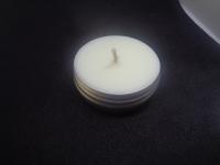 """Массажная свеча """"Ванильное мороженное"""" изготовлена на основе масла какао. При нагревании температура плавления достигает 38-40 градусов и превращает свечу в питательное теплое масло, которое приятно пахнет и с удовольствием поглощается кожей Используется при массаже рук, ног, романтическом массаже и как питательный крем для рук и тела. 40 мл.баночка стоит 70 грн. 100 мл. - 130 грн."""