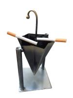 Пепельница в виде зонтика (можно использовать также в качестве подставки для карандашей, ручек, зубных щеток и т.д.).  Сам зонтик переворачивается на шарнирах, что способствует легкому высвобождению от содержимого.