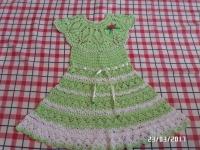 """Дуже гарне платтячко для дівчинки із 100 % бавовняних ниток. Двоколірне : білий та колір м""""яти , виглядає дуже ніжно, Прикраса знімається. На вік 2-2,5 роки. В наявності 1 шт. Можу виготовити на замовлення за 10-14 днів."""
