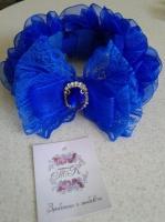 Резиночка на гульку, трояндочки із органзи. Можливе виготовлення в різних кольорах на замовлення.
