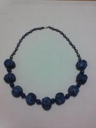 """Ожерелье сделано из """"сожмуренных"""" тканевых бусин, бисера и бусин. Длина-70см"""