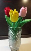 Этот замечательный весенний цветок будет радовать вас столько, сколько вы захотите. Он никогда не завянет и не потеряет цвет.  Тюльпаны выполнены из фетра, наполнены холлофайбером. Срок изготовления 1-3 дня.  Цена 1 цветка - 40 грн.  Отправка Новой почтой, Укрпочтой по всей Украине наложенным платежом или по предоплате.