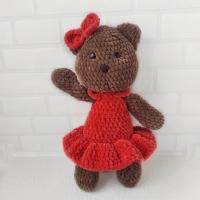 Найпопулярніша плюшева іграшка це ведмежа. А якщо ведмедик - дівчинка? Висота: 32 см.; Пряжа: гіпоалергенна Himalaya Dolphin Baby;