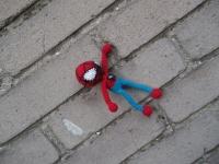 Вязаный крючком Человек-паук. Выполнен из акриловой пряжи, наполнитель - холофайбер. Ручки и ножки не наполнены, на крнцах бусины, за счет чего ручки и ножки болтаются.Замечательная игрушка для деток.